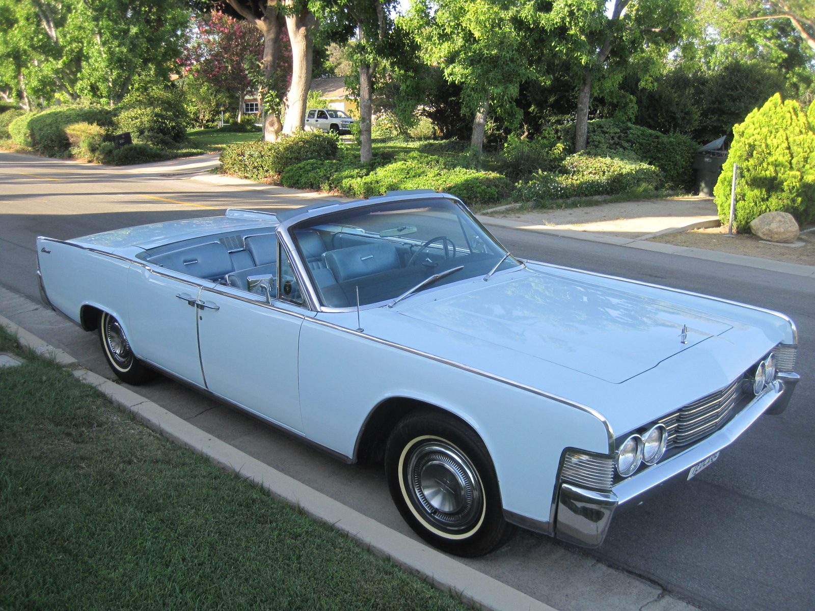 1965 lincoln continental convertible for sale phil newey. Black Bedroom Furniture Sets. Home Design Ideas